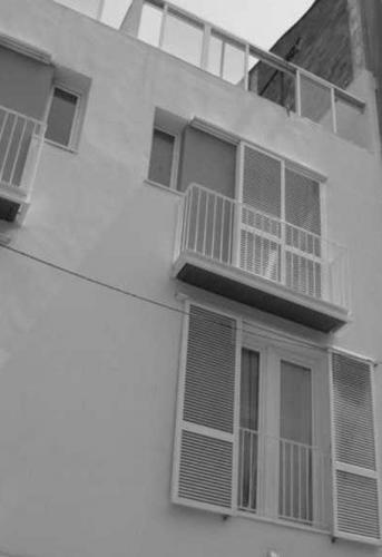 4 HABITATGES AL CARRER UNIÓ/ BADALONA, BARCELONA 2000/ PRIVAT